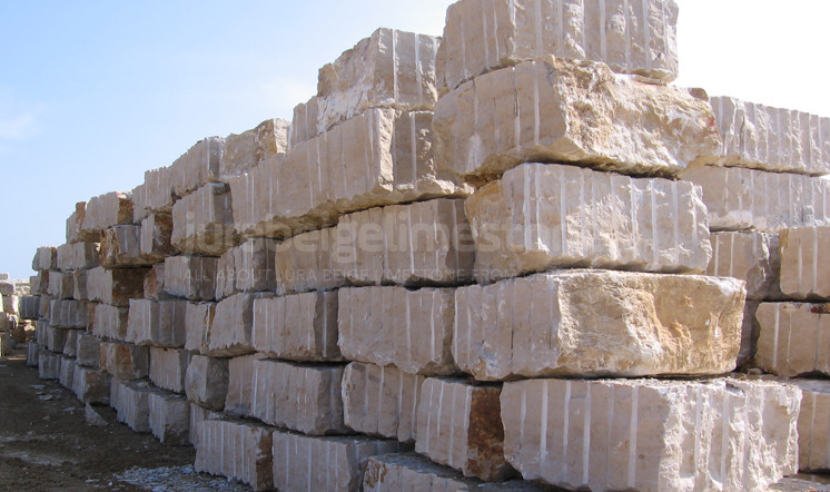 Jura limestone blocks for export